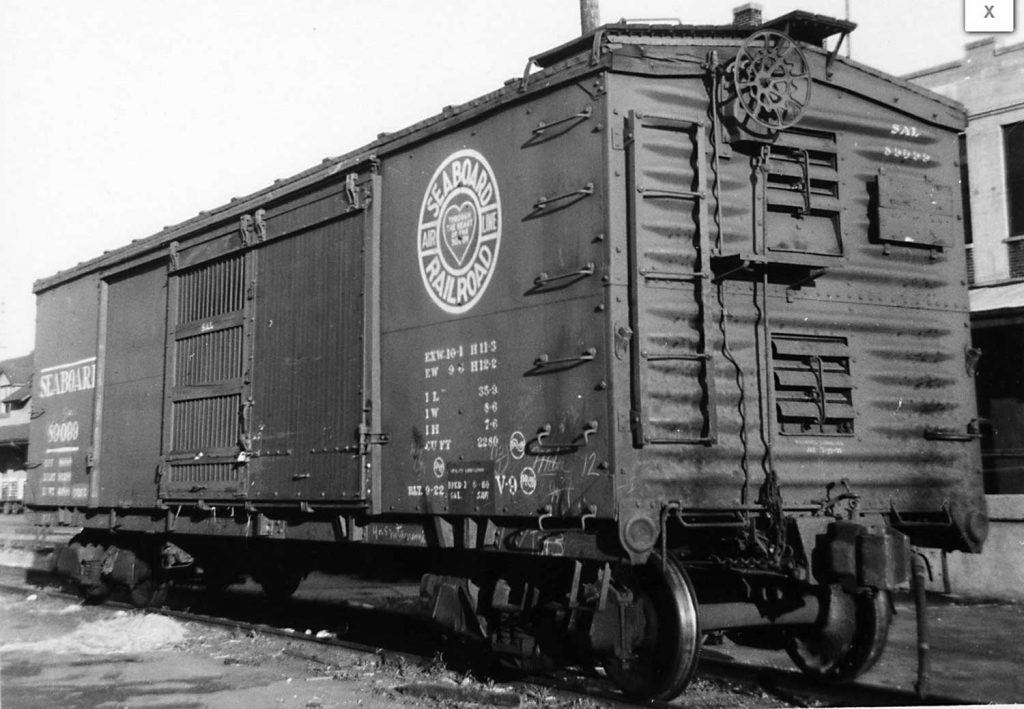 Seaboard V9 ventilated boxcar